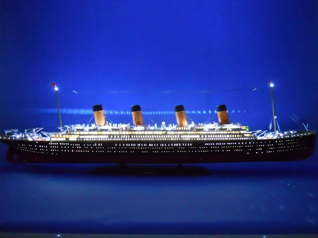the titanic Twenty years after he sent jack to a watery grave in titanic, the director is becoming increasingly tetchy at being asked why rose couldn't have saved him.