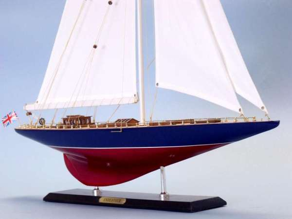 ship-decoration-sailboat-endeavour3[1]