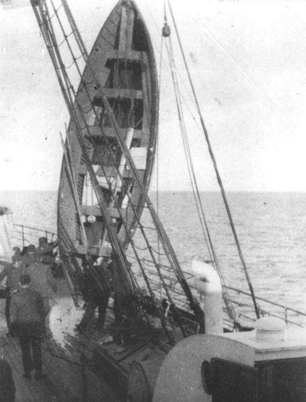 lifeboat_on_carpathia