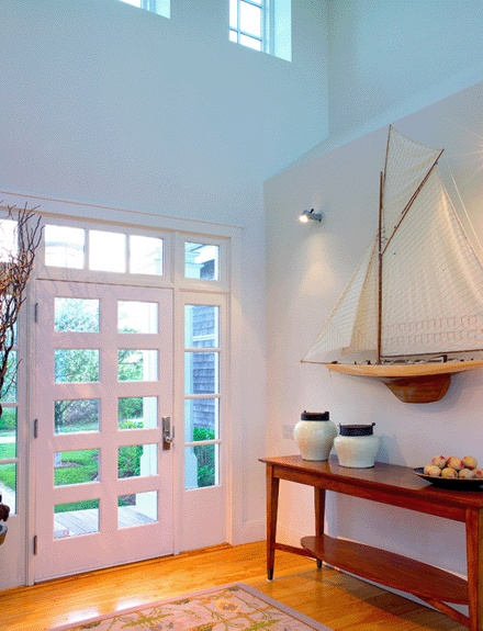 Nautical theme decorating with sailboat models nautical for Ship decor home