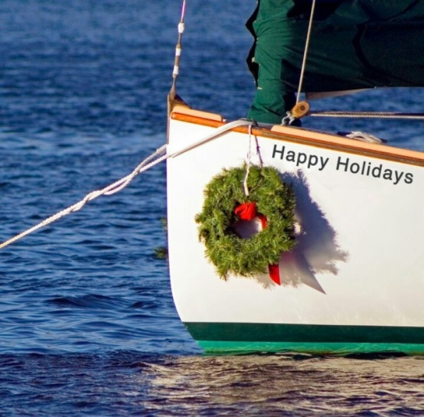 Happy-Holidays-Sailing