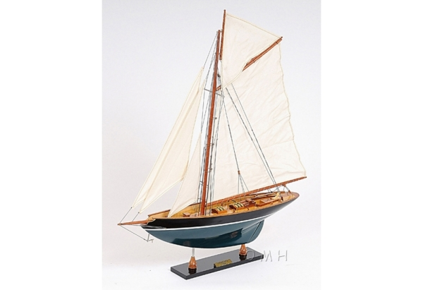 pen-duick-wooden-sailboat-model