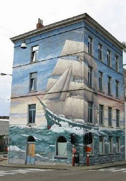 tall-ship-mural-on-the-building